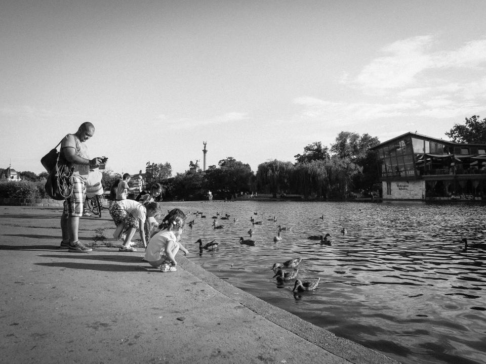 kids-lake