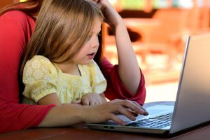 6 Jobs For Stay At Home Moms That Actually Pay